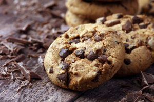 美味しそうなチョコレートチップ入りクッキー
