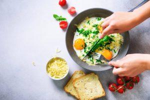 チーズとパンと卵
