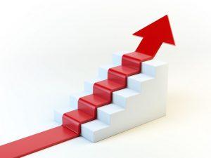 階段を這う赤い矢印