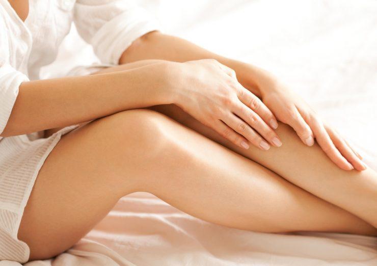 女性の手足