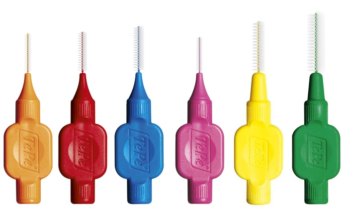 色違いの歯間ブラシ
