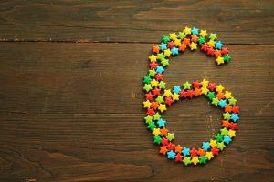 数字の6が星で表されている