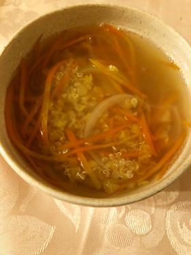 人参とキヌアの塩スープ