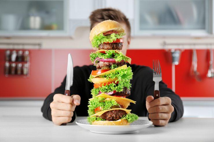 巨大なハンバーガー