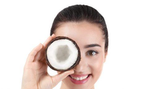 ココナッツと女性